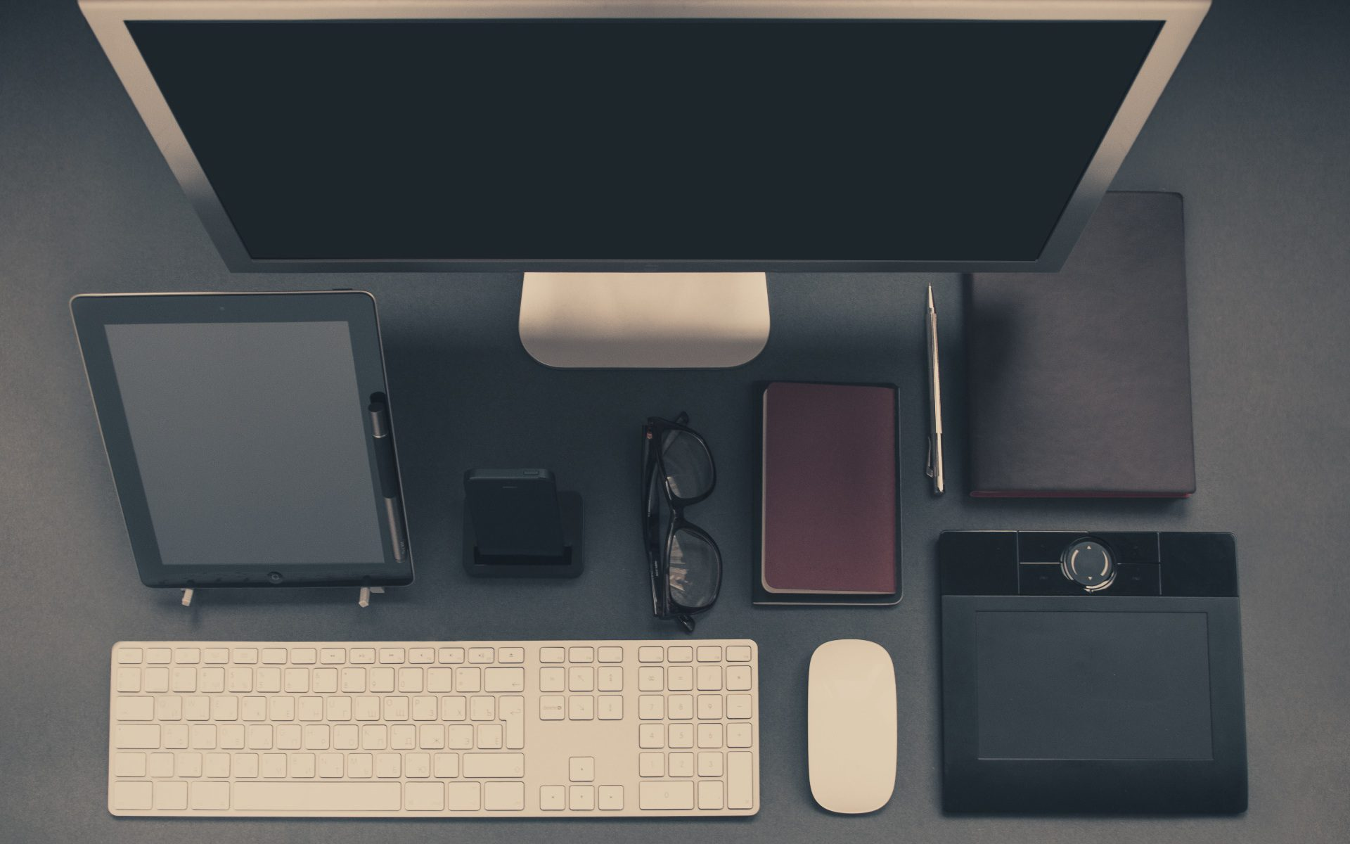 display of mobile and desktop technology